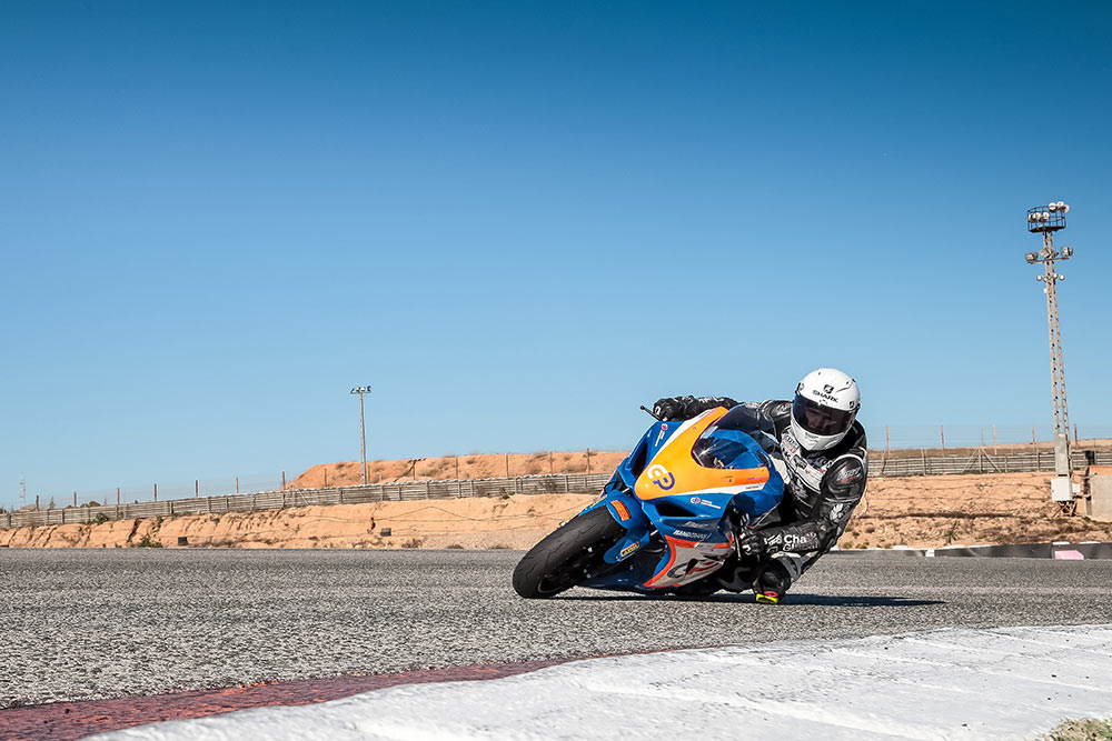 tom-neave-rider-crowe-performance-gallery-image.jpg